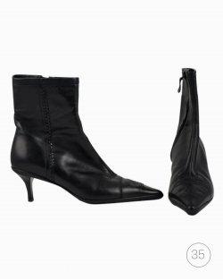 Bota Chanel vintage em couro preto