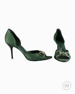 Sandália Gucci em seda verde com horsebit