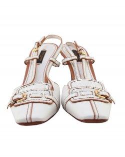 Sapato Louis Vuitton tira no calcanhar branco
