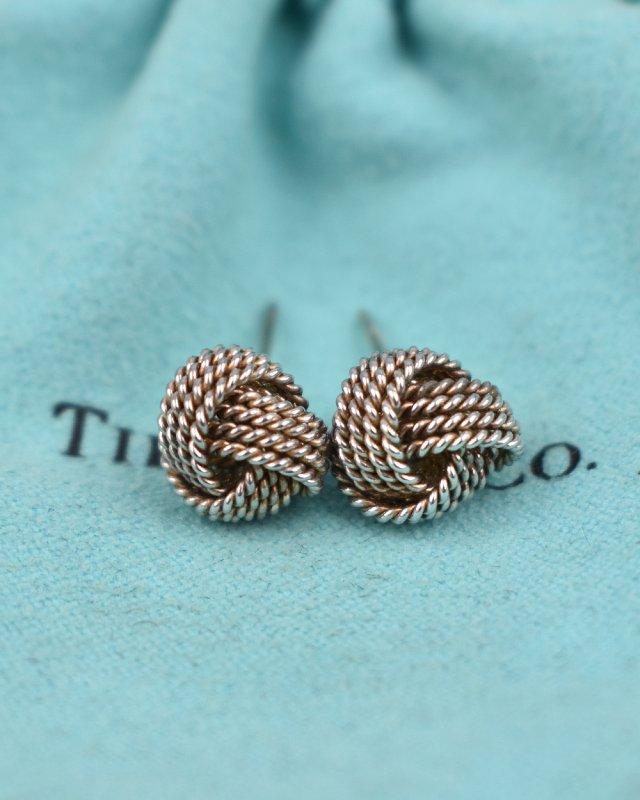 Brinco Tiffany & Co. Nó Prata