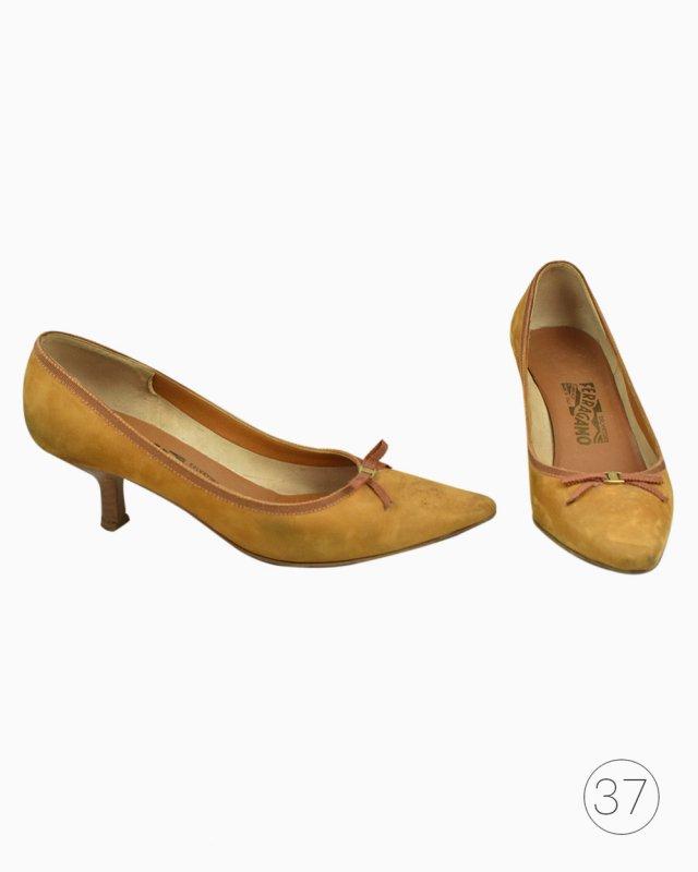 Sapato Salvatore Ferragamo Mostarda