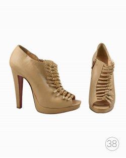 Sapato Christian Louboutin Bege