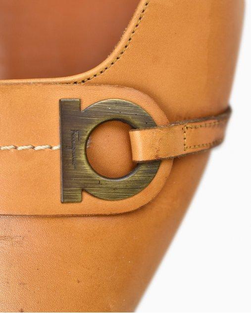 Sapato Salvatore Ferragamo Caramelo