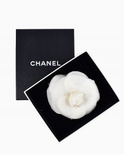 Broche Camélia Chanel Branca