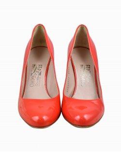Sapato Salvatore Ferragamo de Verniz Coral