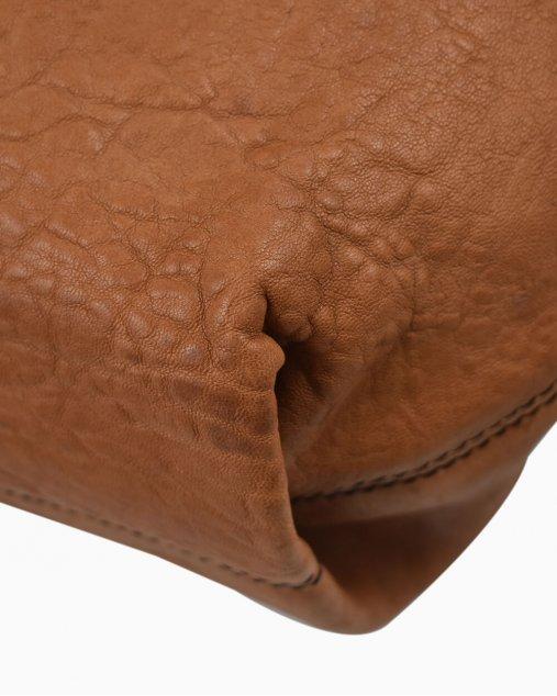 Bolsa Fendi fivela caramelo