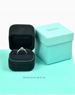 Anel Solitário Tiffany & Co. de Brilhante