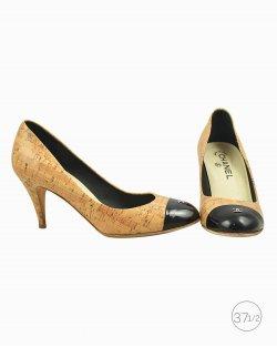 Sapato Chanel em cortiça bege