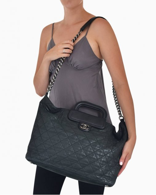 Bolsa Chanel  In-the-Mix Large Shopping de Couro Preto