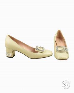 Sapato Gucci de Couro Off white com Cristal