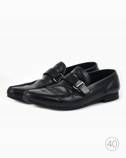 Sapato Prada de Couro Preto