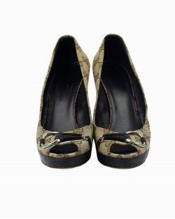 Sapato Gucci peep toe canvas monograma