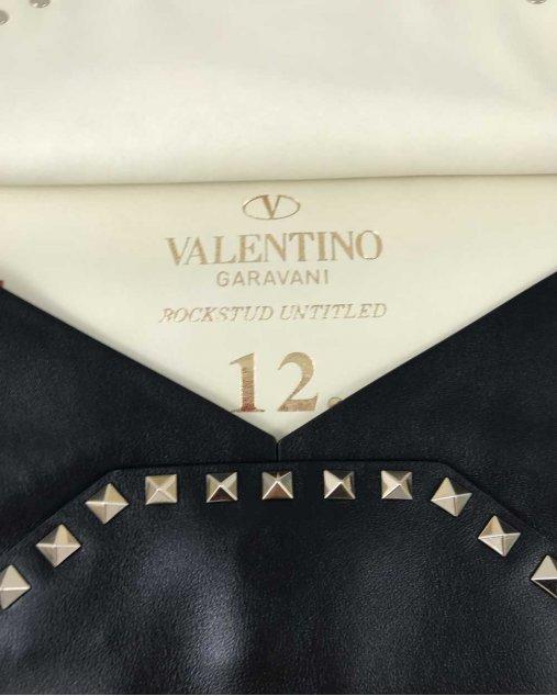 Clutch Valentino Preta Com Spikes