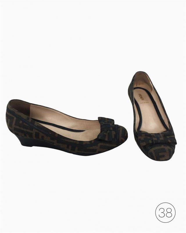 Sapato Fendi Monograma