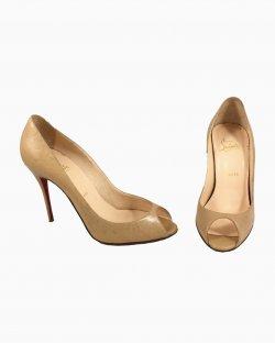 Sapato Louboutin Bege