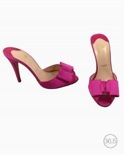 Sapato Louboutin Pink Salto Alto