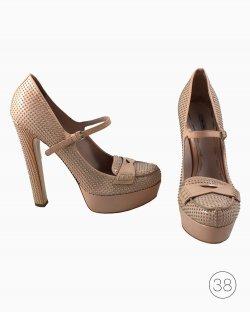 Sapato Miu Miu Rebites Rose