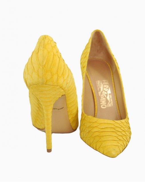 Scarpin Amarelo Ferragamo