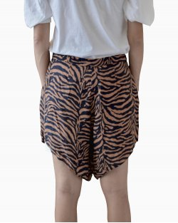 Shorts Adriana Degreas Animal Print